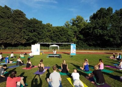 International-Day-of-Yoga---june-2017-1-iashannover-de